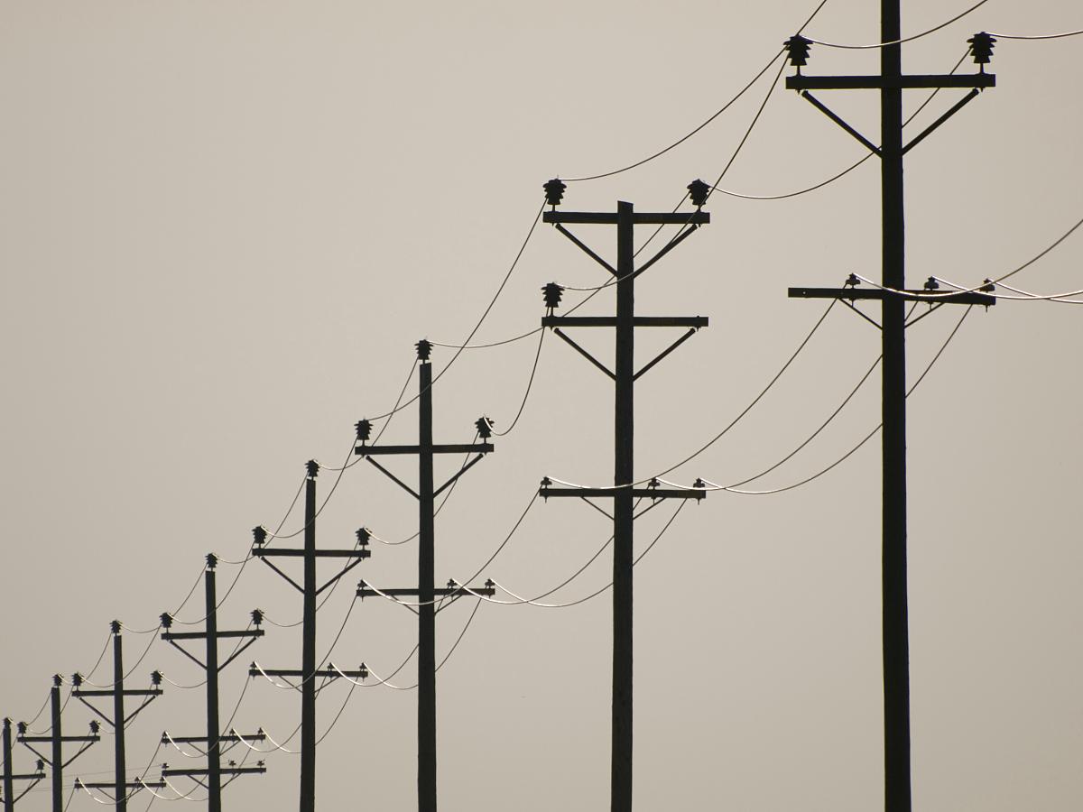 电线杆公路图片