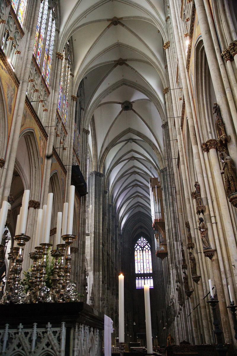 构图,垂直画幅,室内,白昼,欧洲,德国,古典风格,教堂,材料,玻璃,圣经图片
