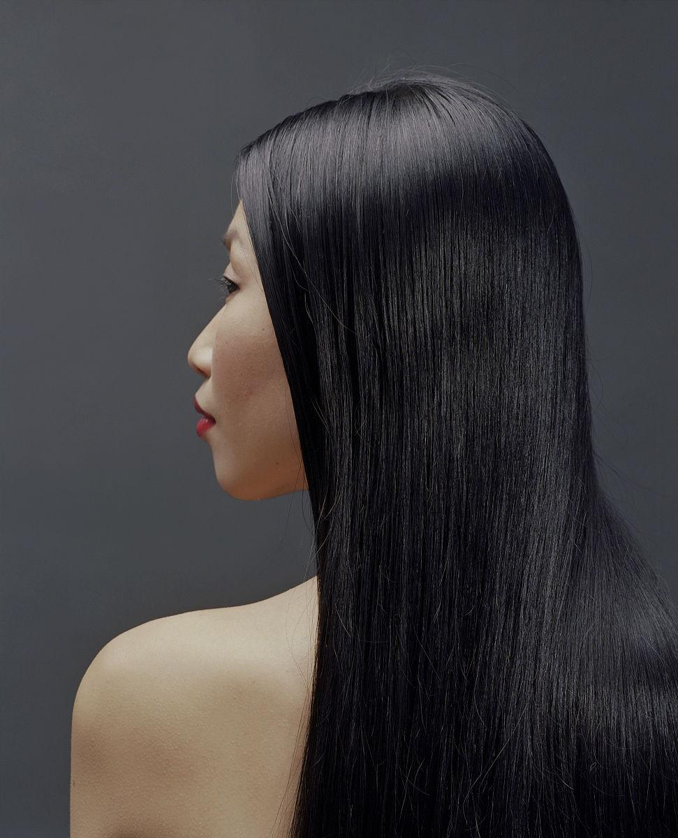 长发,黑发,仅女人,仅一个女人,头和肩膀,侧面视角,侧面像,发型,直发图片