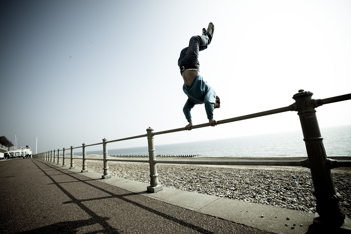 3d极限跑酷电脑版_跑,一个人,健康生活方式,锻炼,彩色图片,运动员,摄影,极限运动,跑酷