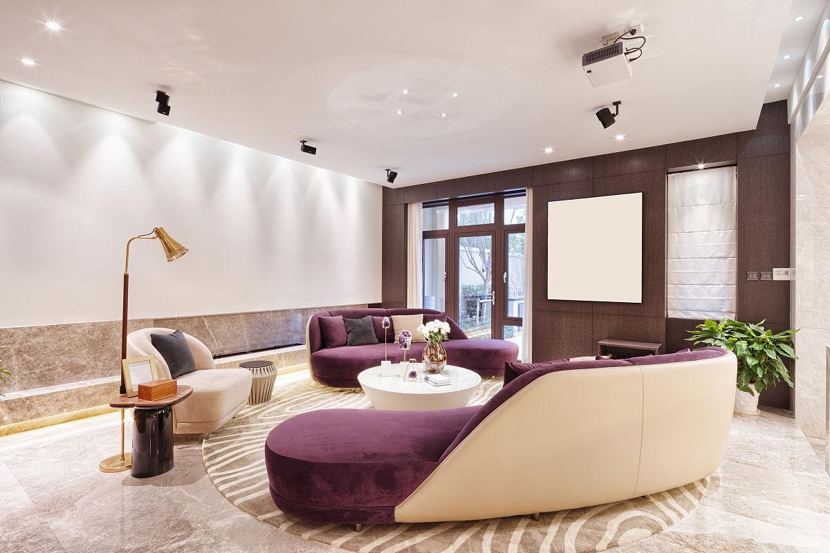 别墅内装修豪华的客厅图片