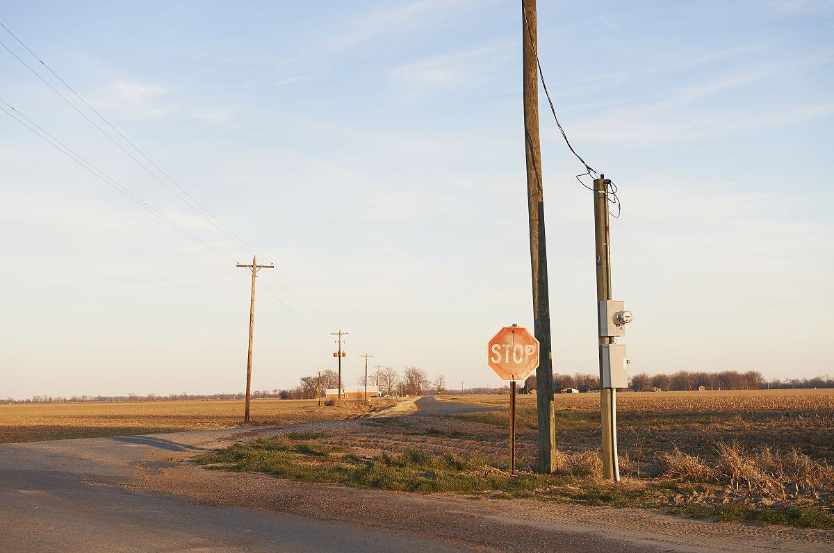 户外,田园风光,停止标志,美国文化,地形,路口,电线杆,彩色图片,档案图片