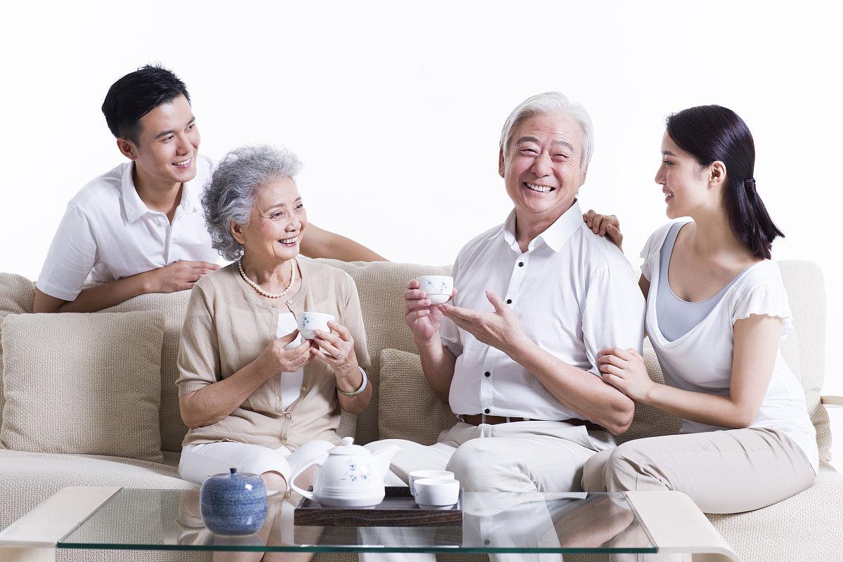 健康生活方式,说话,成年子女,女儿,父母,儿子,双亲家庭,亲情,全家福图片