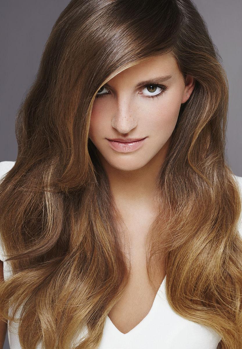 青年人,20到29岁,彩色图片,青年女人,面部表情,挑染,白色背景,直发器图片