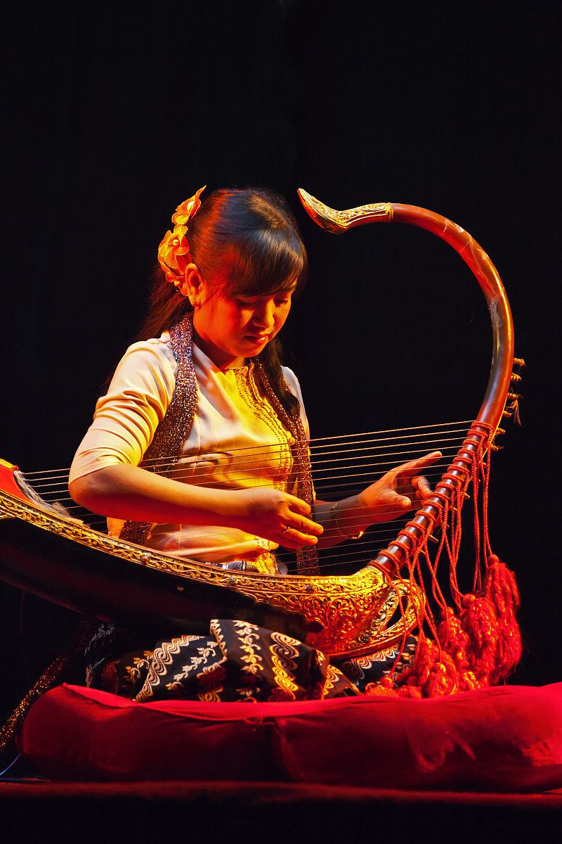 人,表演,古服装,亚洲人和印度人,音乐人,嬉戏的,竖琴,东,著名景点图片