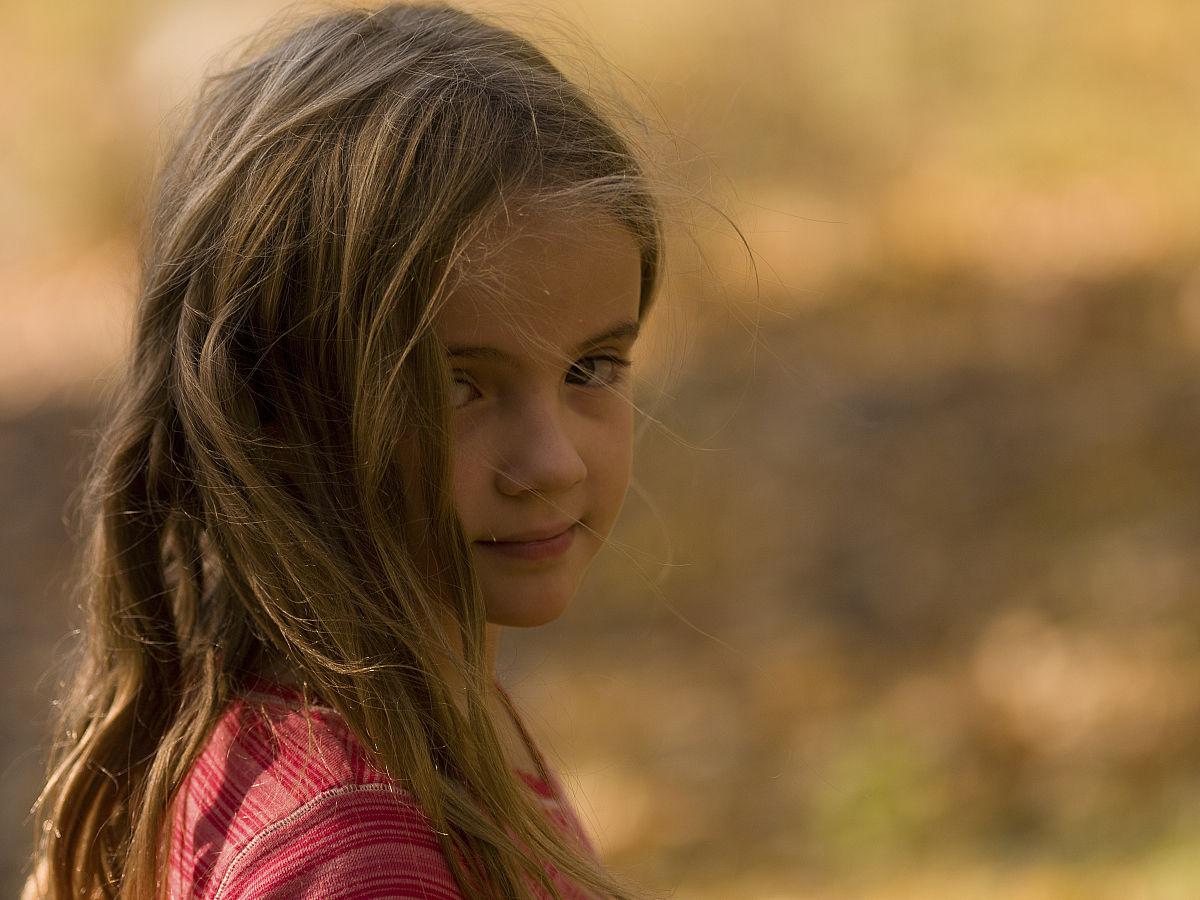 小女孩,森林之湖,安大略图片