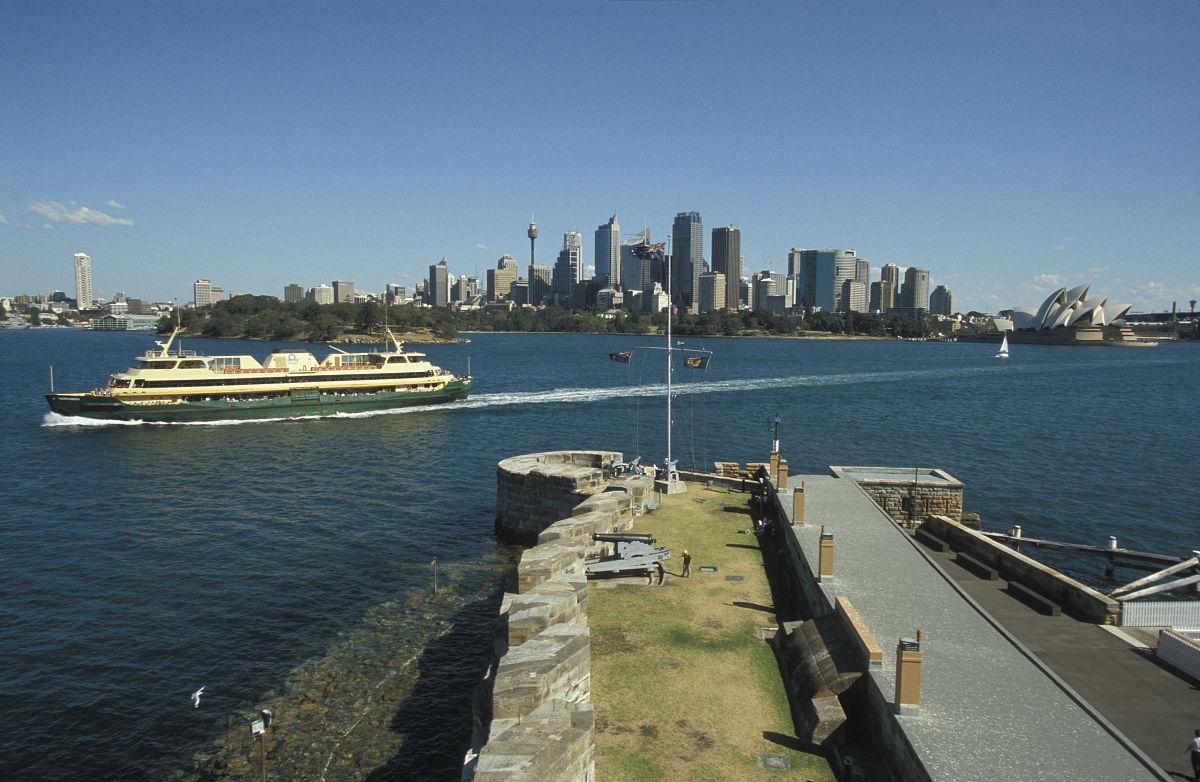 从该塔的丹尼森堡和悉尼cbd,悉尼港新南威尔士澳大利亚图片