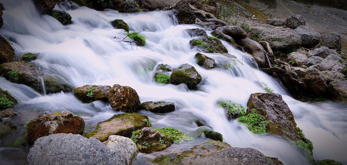 寒冷,水彩画颜料,行动,流动,自然神力,自来水,饮用水,流水,河流,瀑布图片