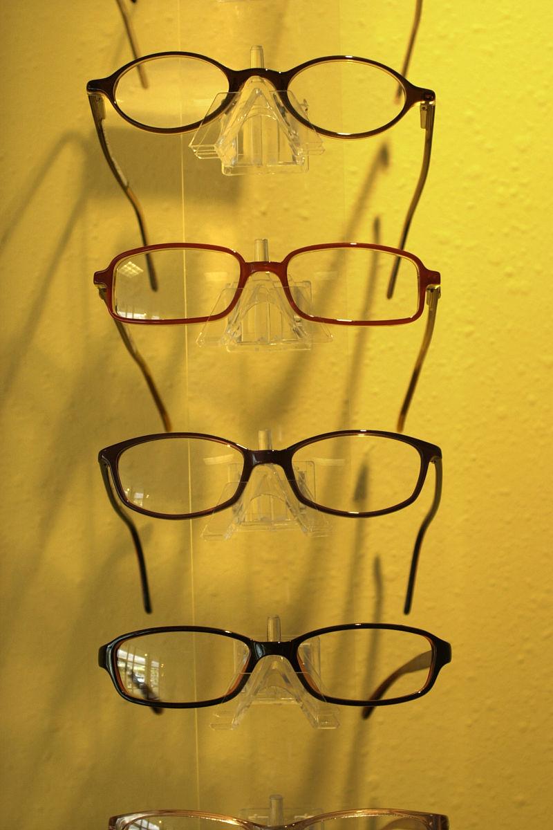 眼镜架的显示图片