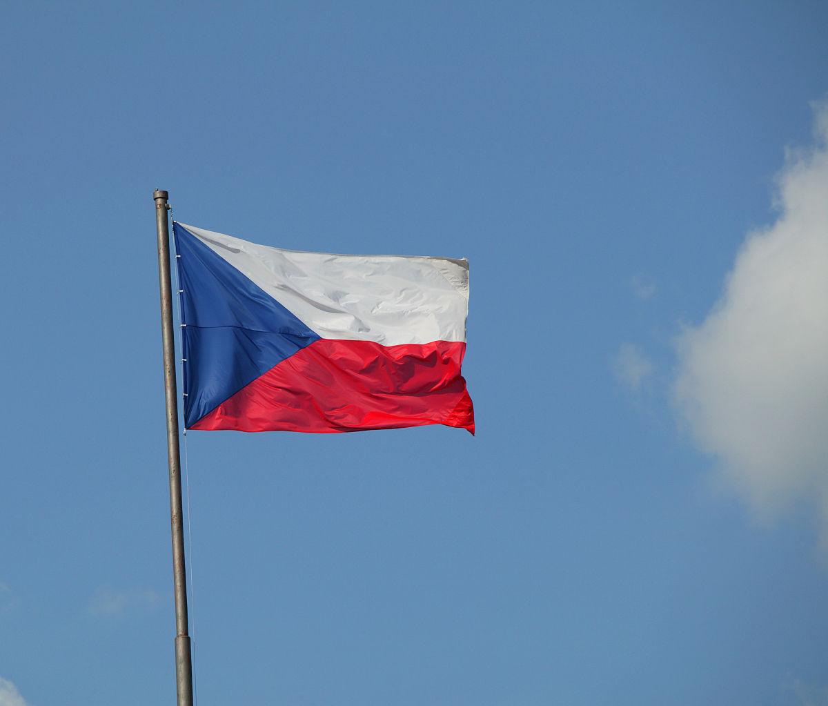 摄影,彩色图片,无人,户外,蓝色,符号,旗帜,天空,白昼,东欧,捷克共和国图片
