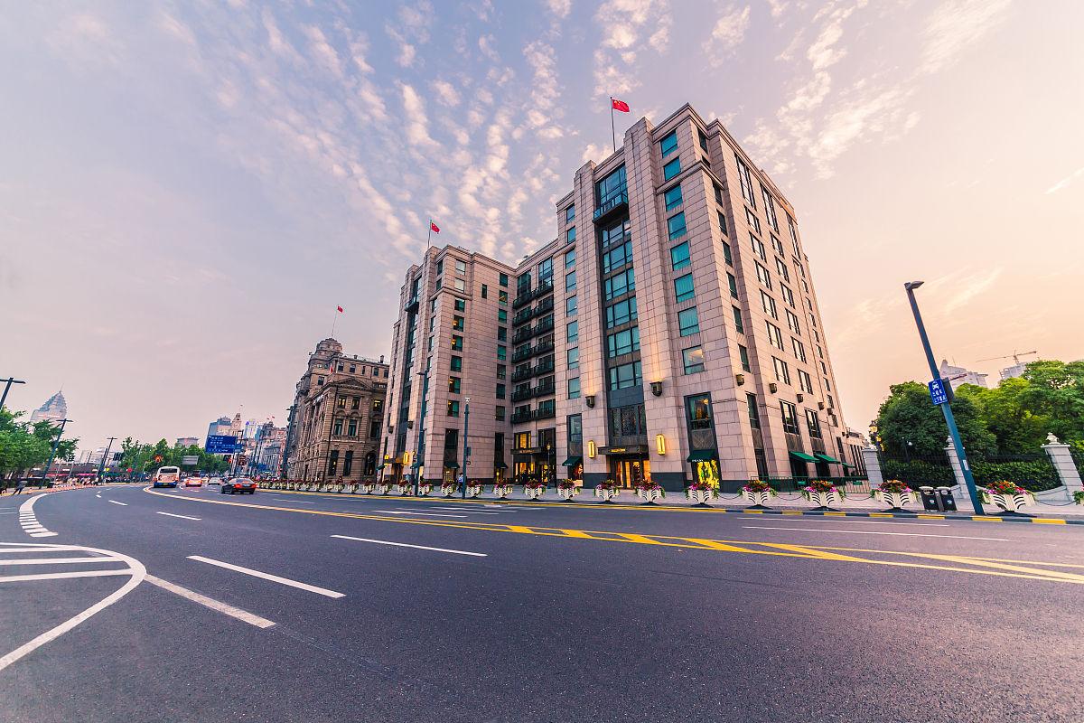 昏的上海外滩建筑道路chinashanghaiund