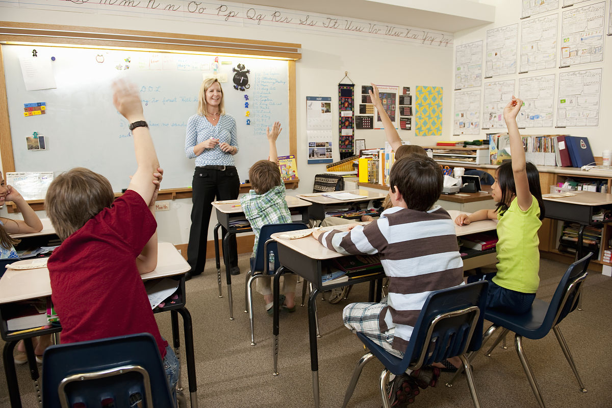 人,活动,教育,全身像,室内,人体,四肢,手臂,职业,坐,教师,美国,教室图片