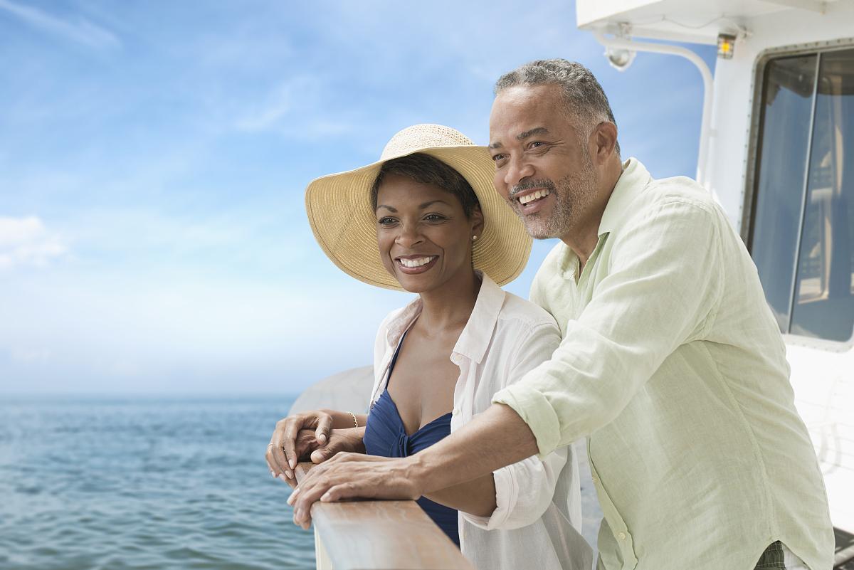美国人���.��l_站在船甲板上的非洲裔美国人