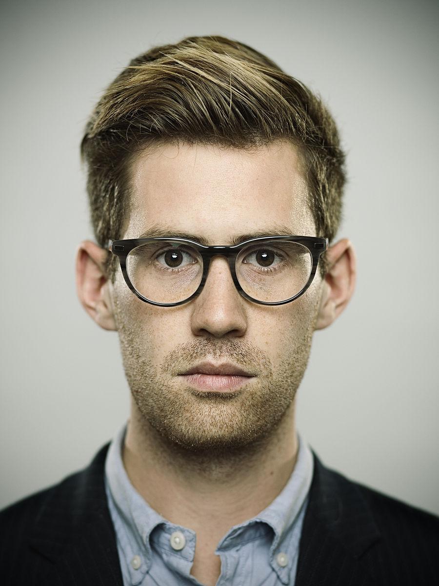 仅男人,面无表情,肖像,25岁到29岁,从容态度,现代,与众不同,儿童,背头图片