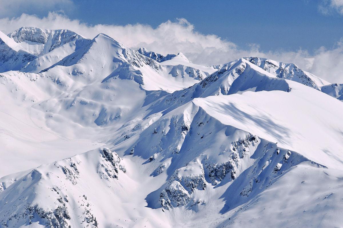 雪��/~���x+�x�&�7:d��_从pirin山的雪景