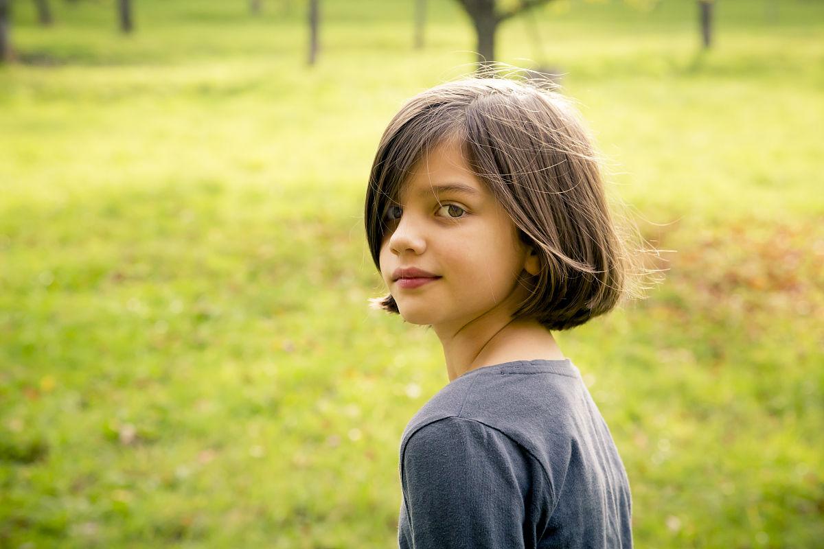 一个人,肖像,植物志,仅儿童,巴登-符腾堡州,头发,发型,儿童,童年,树干图片