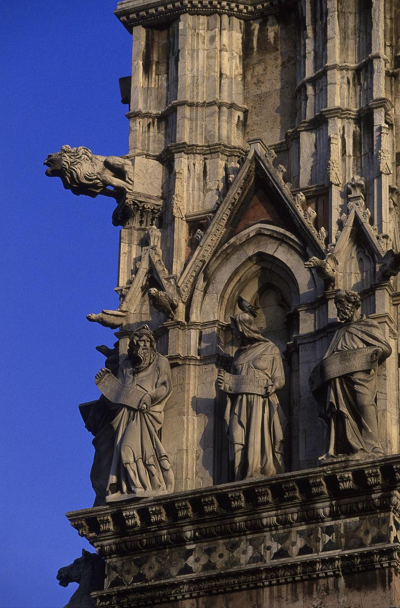 户外,建筑特色,中世纪时代,哥特式风格,欧洲,西欧,意大利,雕像,教堂图片