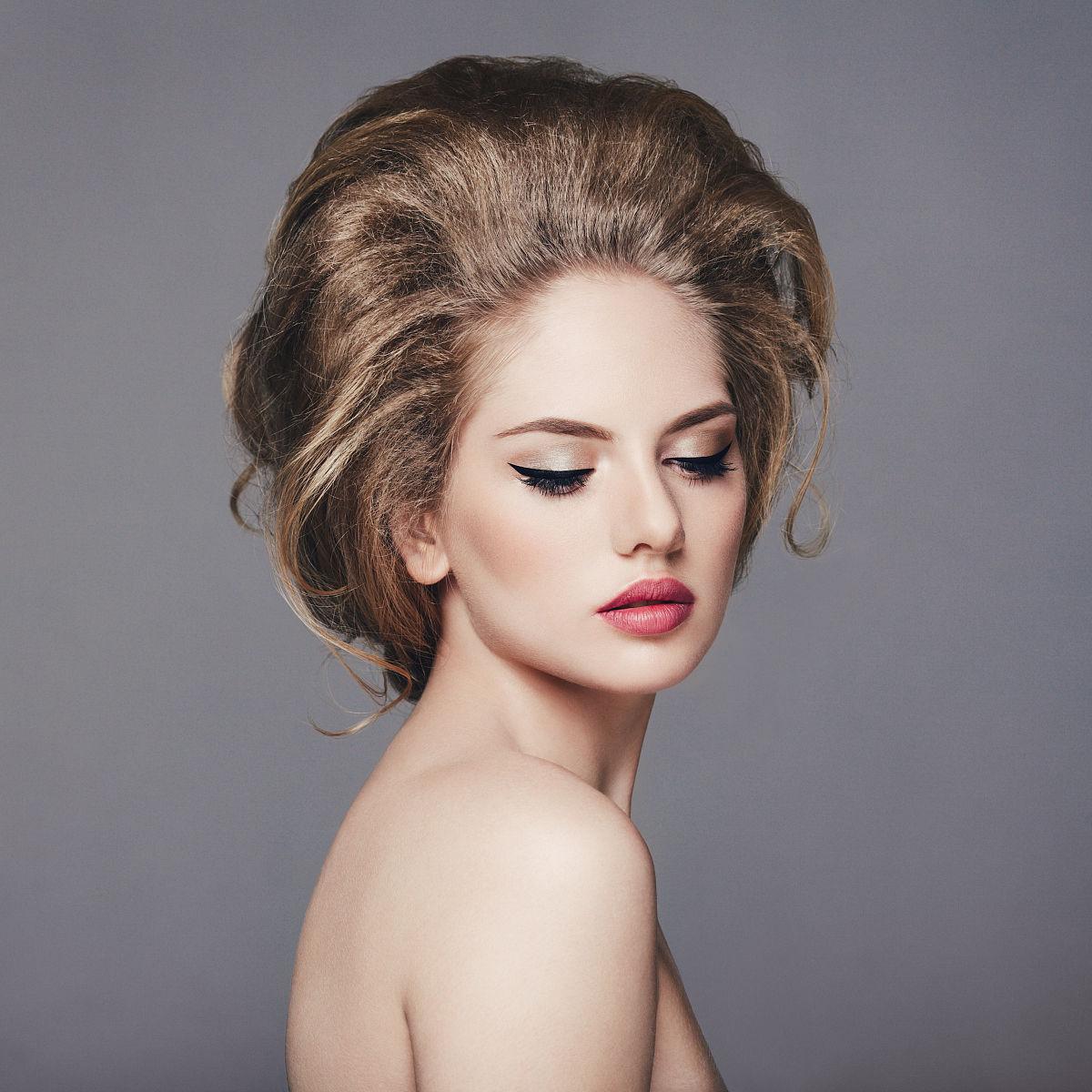 美女卷发型图片