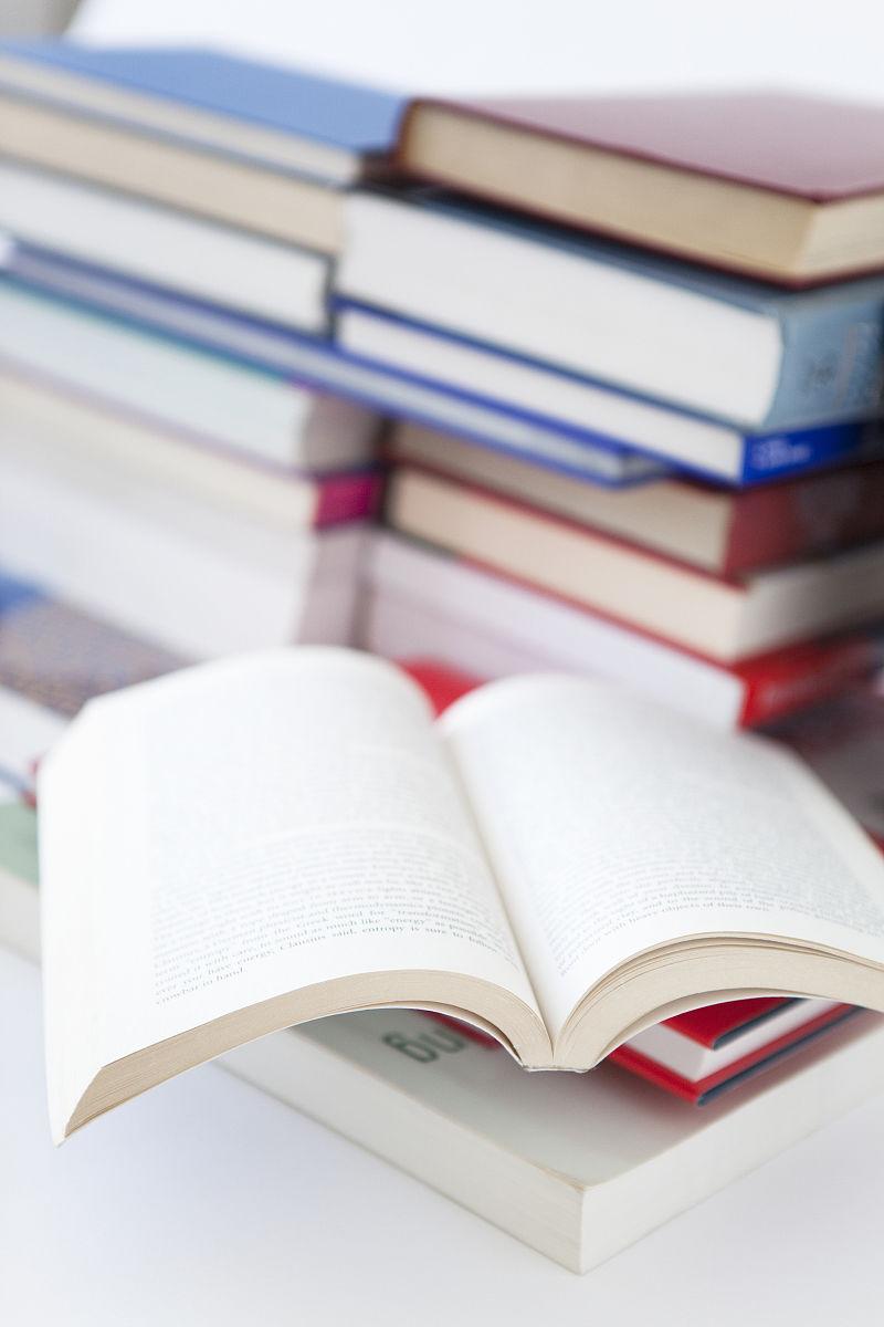 书和an open book