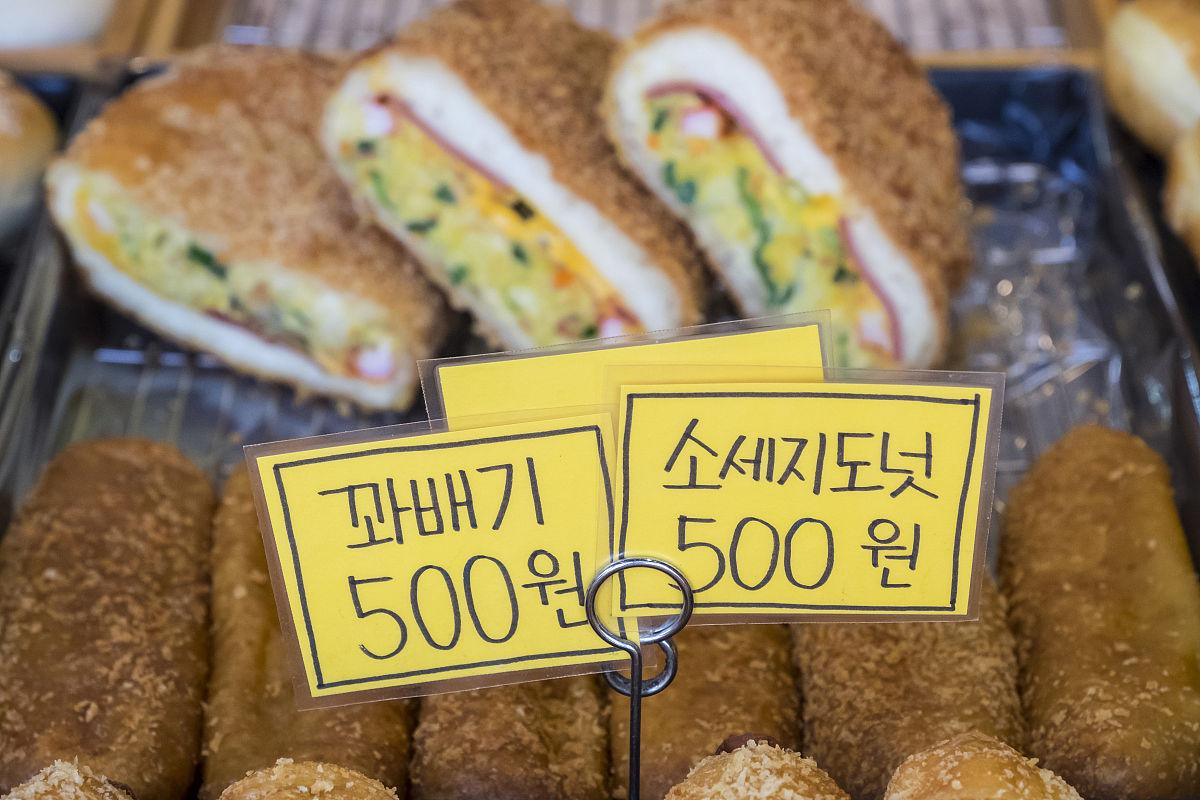 街头面包店,提供欧式糕点和西式面包,仁川,韩国图片