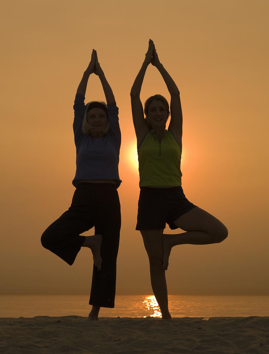 瑜伽,自然,风景,锻炼,对称,休闲活动,退休,永远年轻,树式瑜伽姿势图片