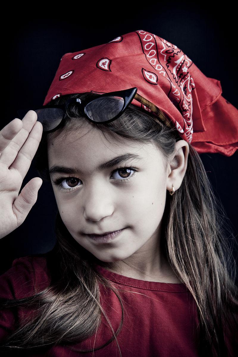 棕色头发,拉美人和西班牙裔人,童年,儿童,可爱的,彩色图片,态度,女孩图片