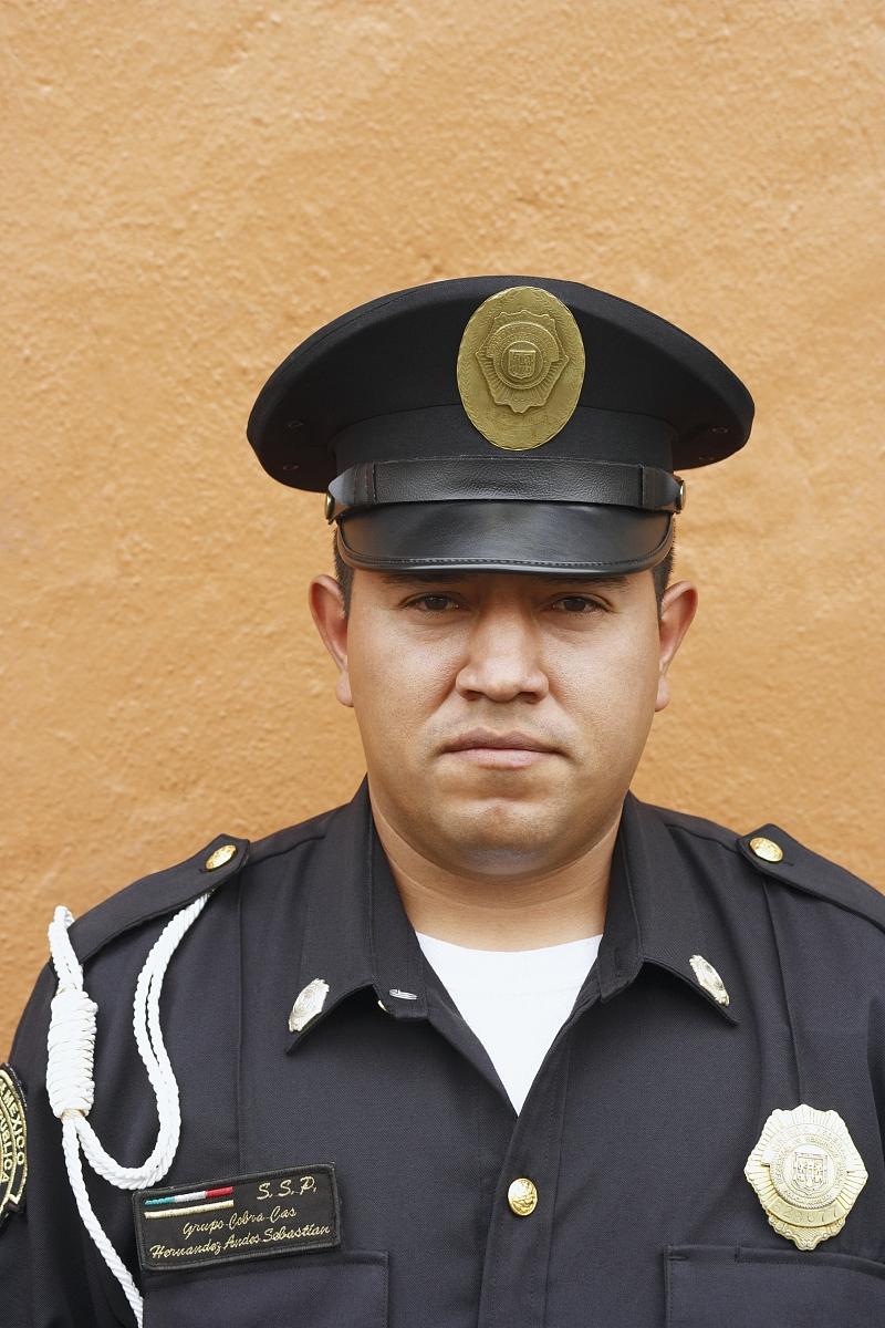 警官�y�-��+_警官肖像
