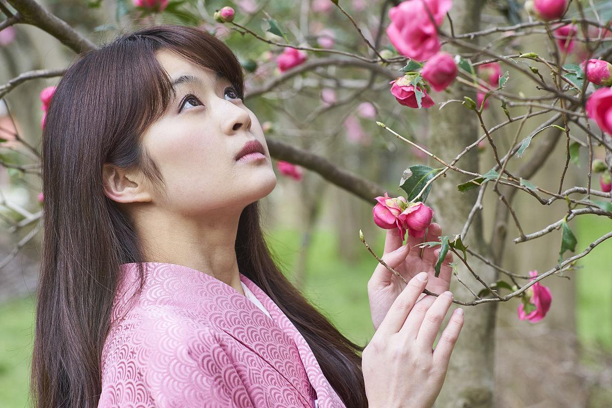 樱花和服女图片