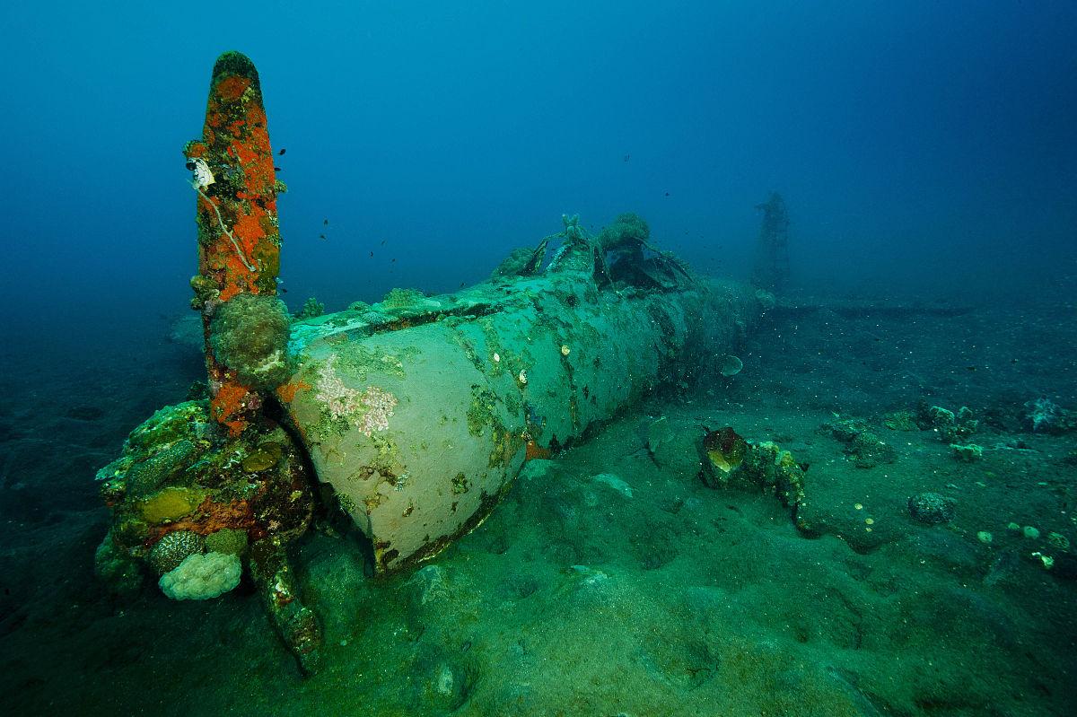 新�7��\�N�_一个二战日本零式飞机沉没的新不列颠岛岛上的willaumez半岛附近.