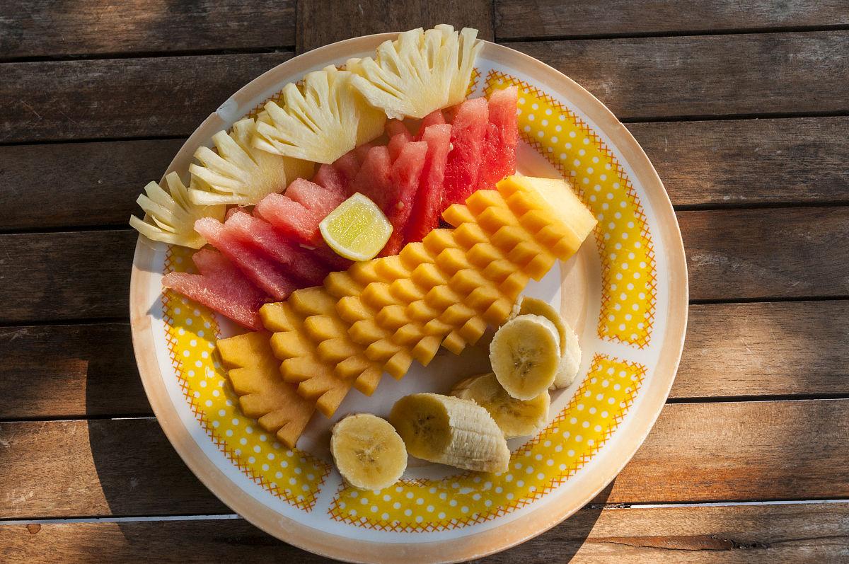 印尼早餐水果拼盘图片