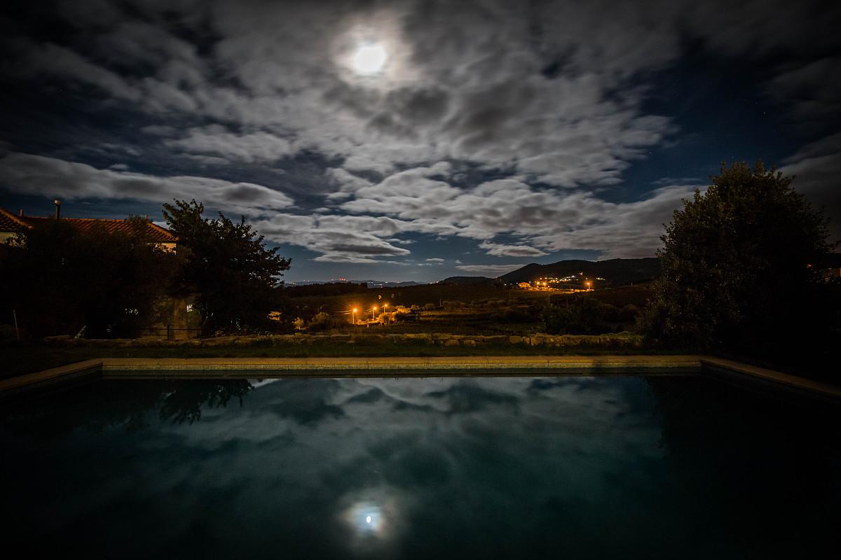 蓝色月光侦探礹.+y��_月光下的云