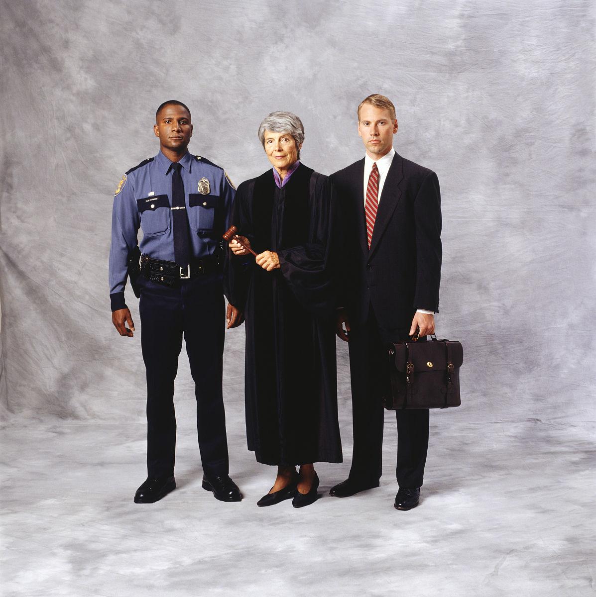 警官�y�-��+_警官,法官和律师(肖像)