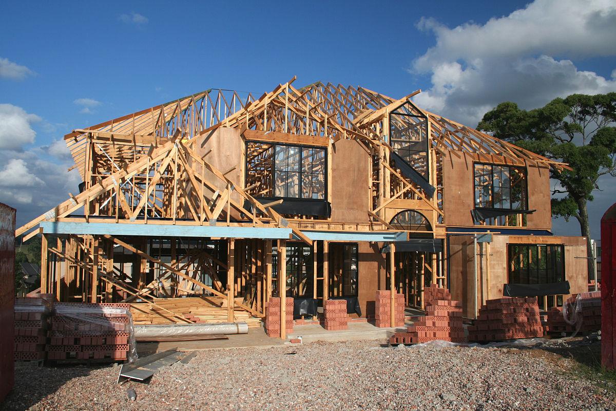 砖,木材,建筑业,阴影,屋顶横梁,建造物,户外,建筑结构,混凝土,摄影图片
