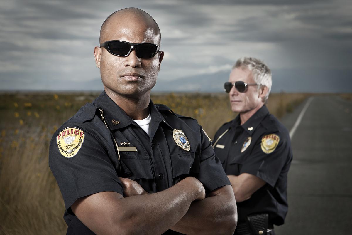 警官�y�-��+_警察执法队