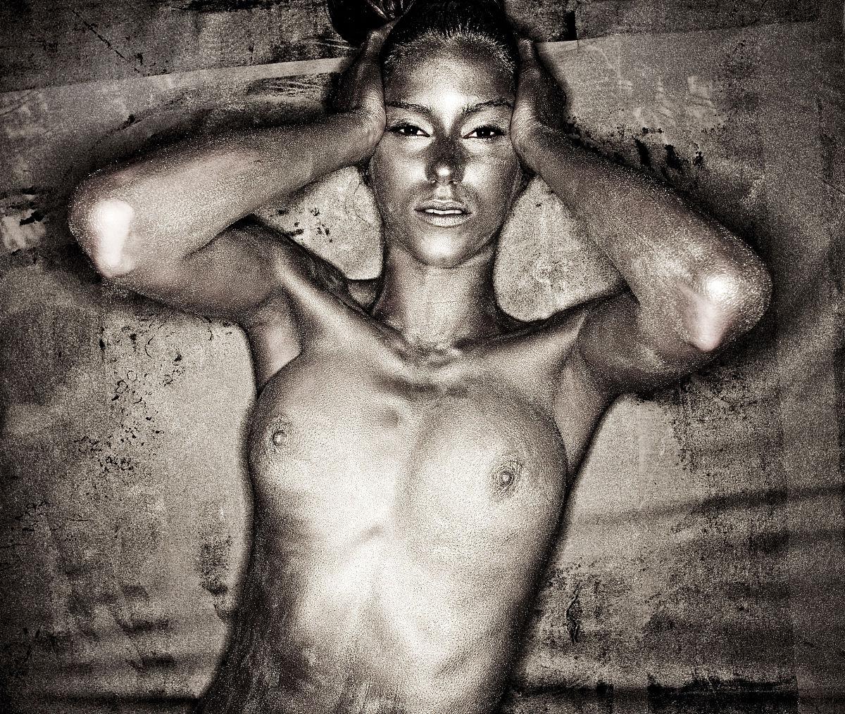 人体裸照视_裸体银绘体女