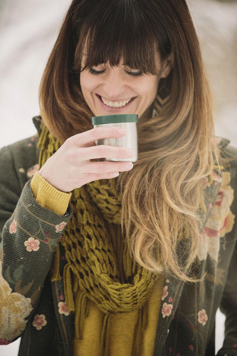 美人,摄影,与摄影有关的场景,微笑,人,垂直画幅,冬天,卷发,美女,美国图片
