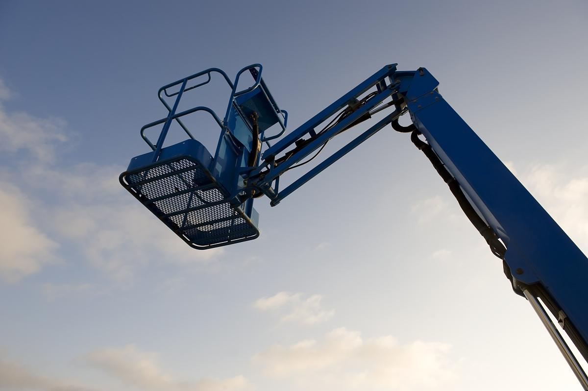天空,高处,蓝色,彩色图片,液压升降平台,农业机器,机件,移动式起重机图片