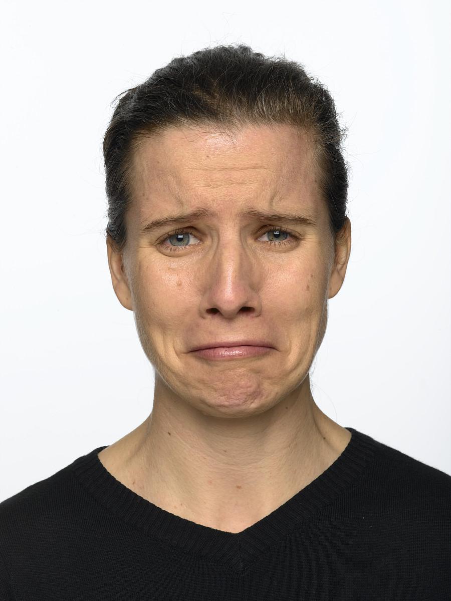 皱眉的表情分享展示图片