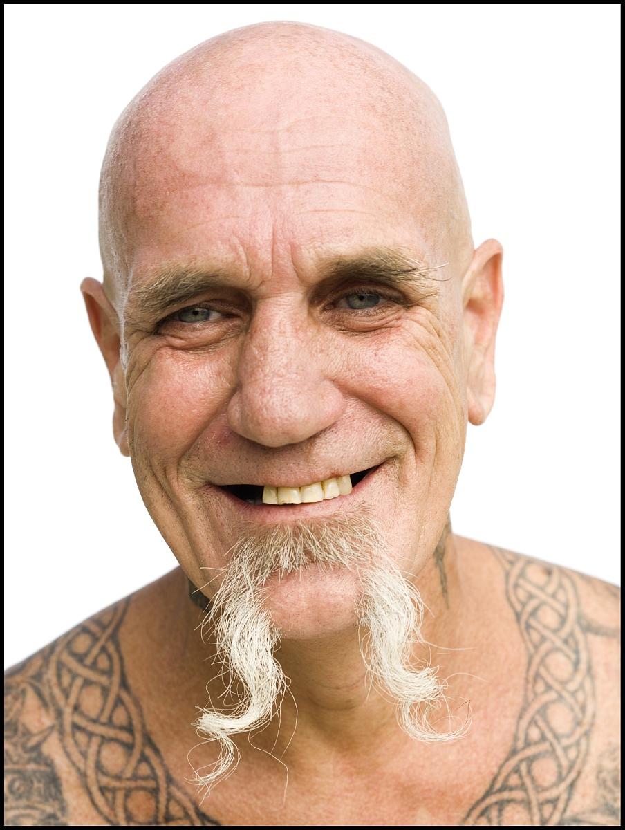 形式描述,身体装饰,面部表情,微笑,仅男人,仅一个男人,种族,纹身,男性图片