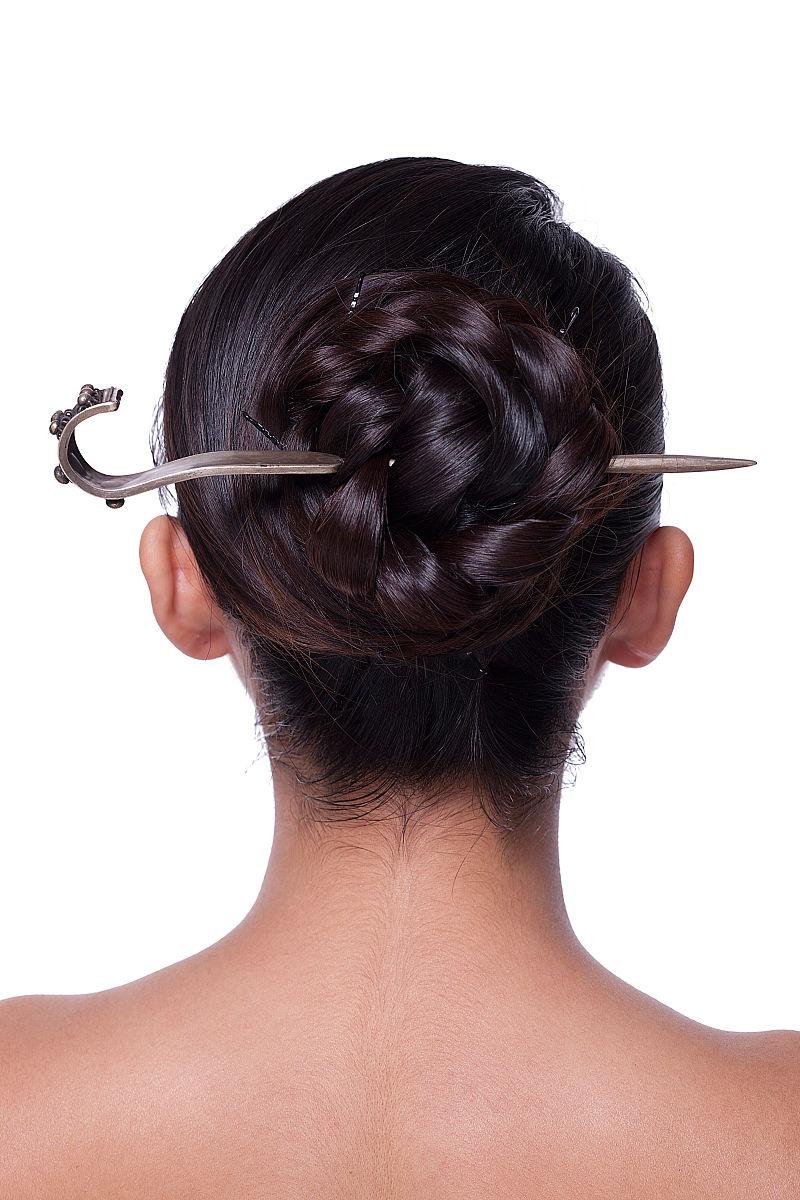 长发盘发-冬季简单盘发发型扎法|长发盘发发型图片|长发盘发图解100种图片
