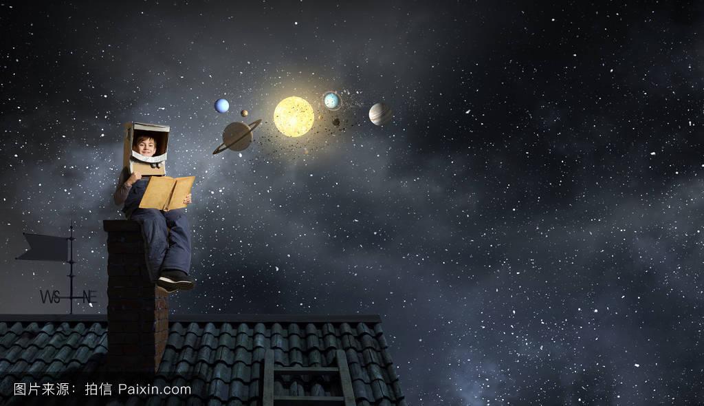房子,童年,玩,在户外,成功,白种人,科学,梦想,资源管理器,宇航员,未来图片