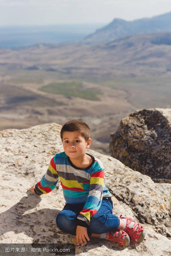 山���!�-��.�9`a�f-:##_休息,石,顶部,童年,峰,山,岩石,徒步旅行,成就,心理学,记忆,害怕