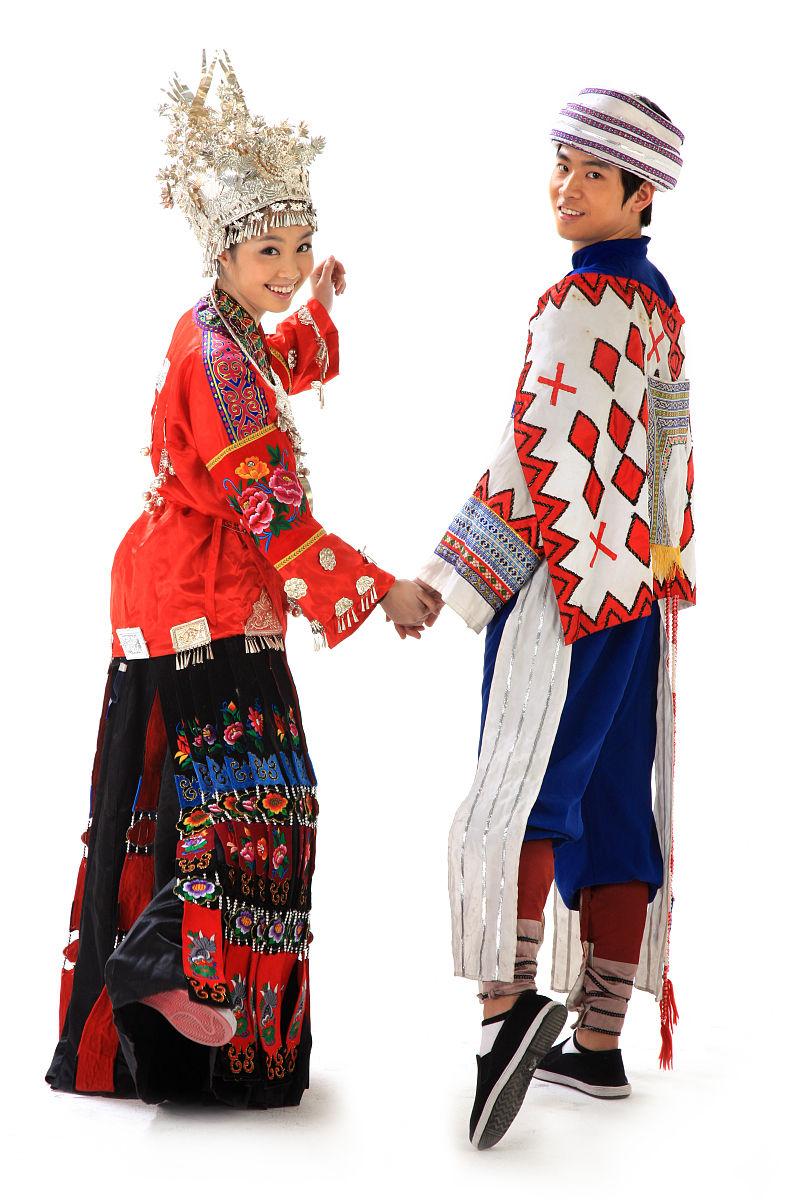 :全国52个民族,各穿什么衣服你 我国56个民族的服饰特点   :苗族图片