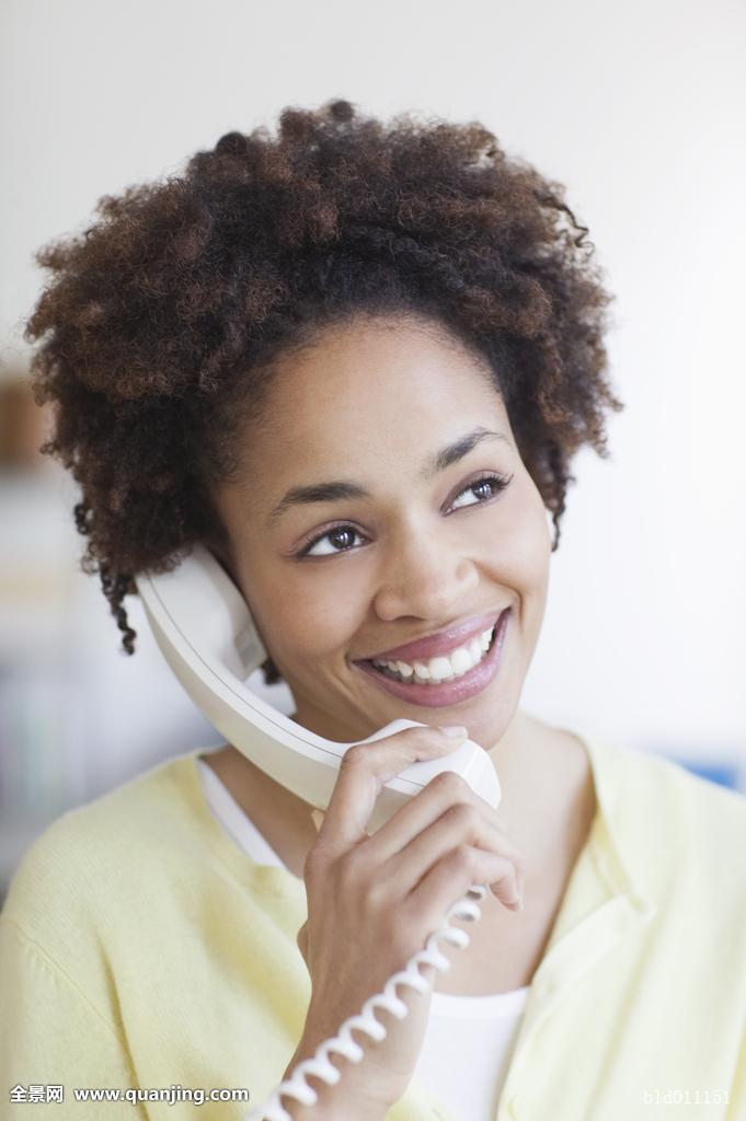 成年,美国黑人,非洲人,非洲式发型,魅力,黑人,商务,职业女性,通话,愉图片