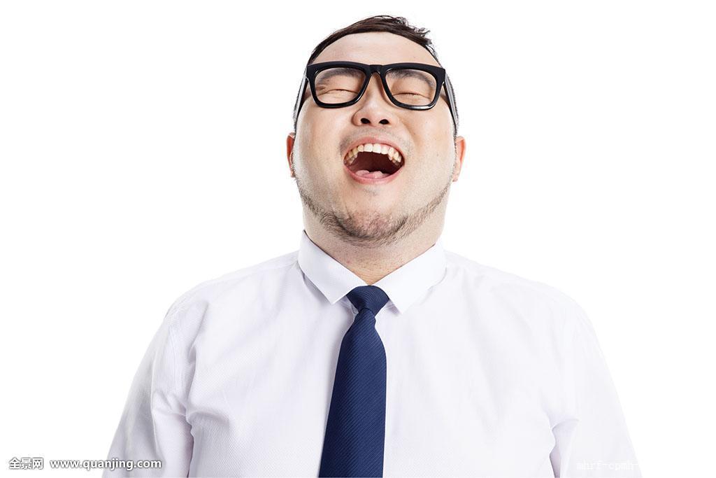 表情惬意的青年胖男人图片