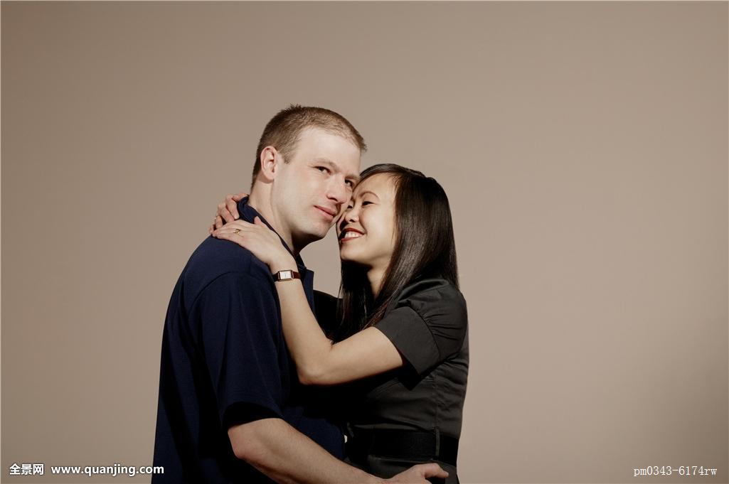 欧美男人和女人xxx_一个,男人,女人,搂抱,微笑