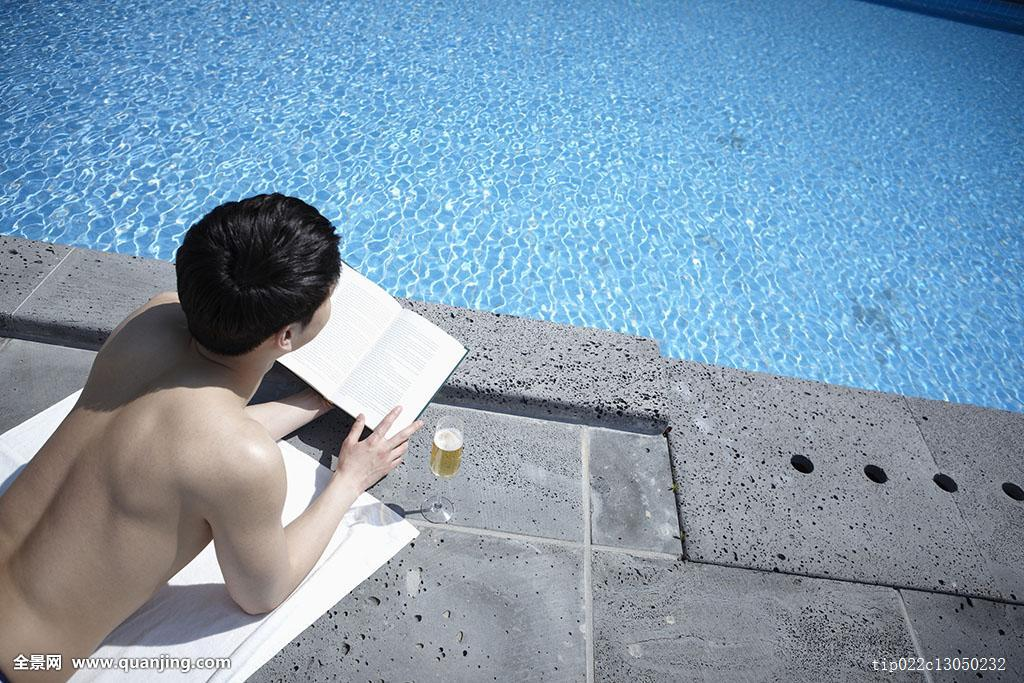 度假,蓝色,水,波浪,男性,一个人,一个,只有一个男人,青春,男青年,短发图片