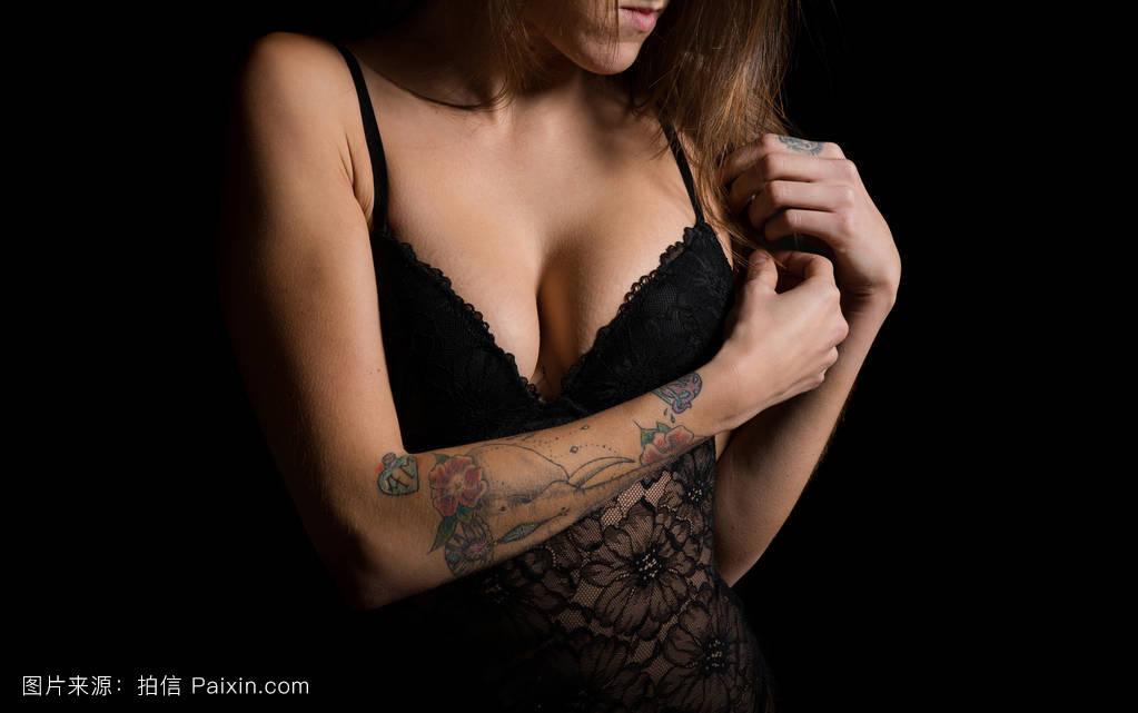 女人全祼体照_工作室,女人,有吸引力的,赤膊的,美丽的,姿势,苗条的,内衣,身体