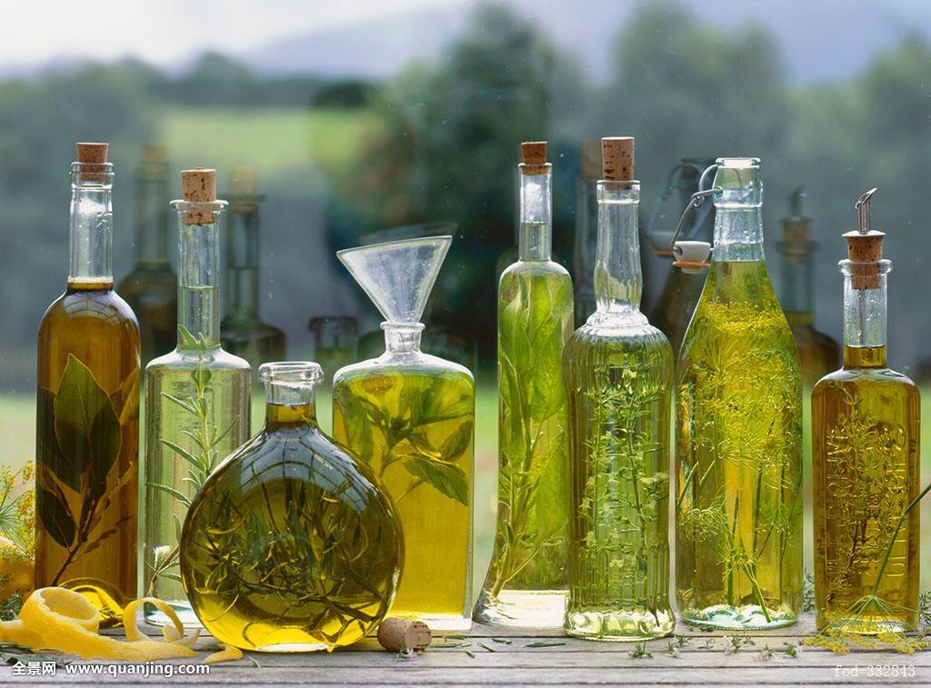 安放,种类,不同,食物,玻璃瓶,手工制作,手制,香草油,青草油,自制图片