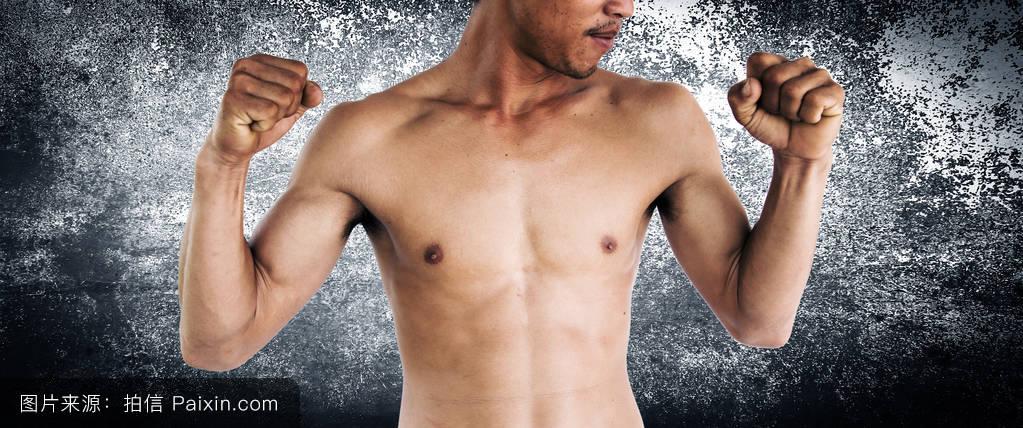 三级裸体模特照片_赤膊男模特,健康的生活方式和思想观念